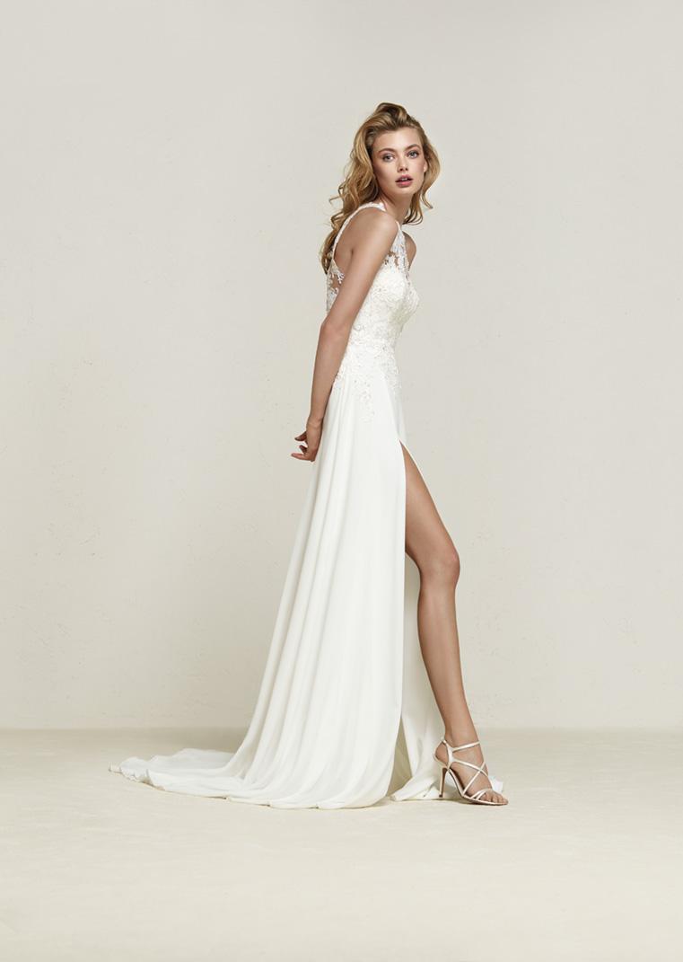 Super Pronovias trouwjurk Dramis - Van Os trouwjurken. De trouwjurk van  #ZQ67